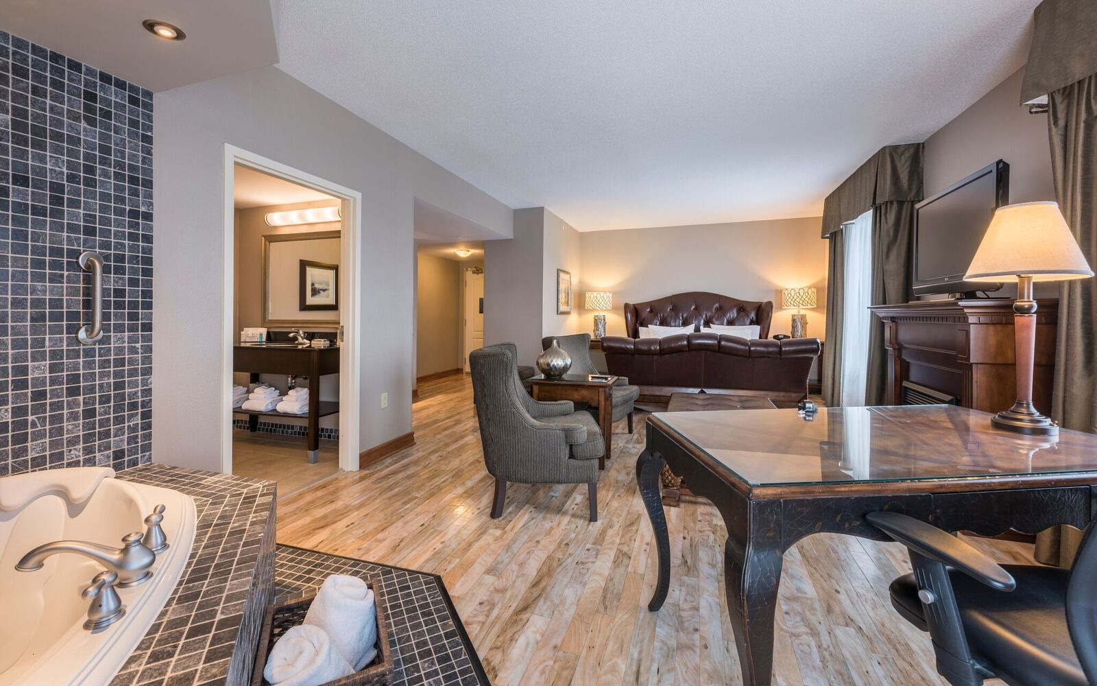 Whirlpool Suite Hampton Inn & Suites Moncton