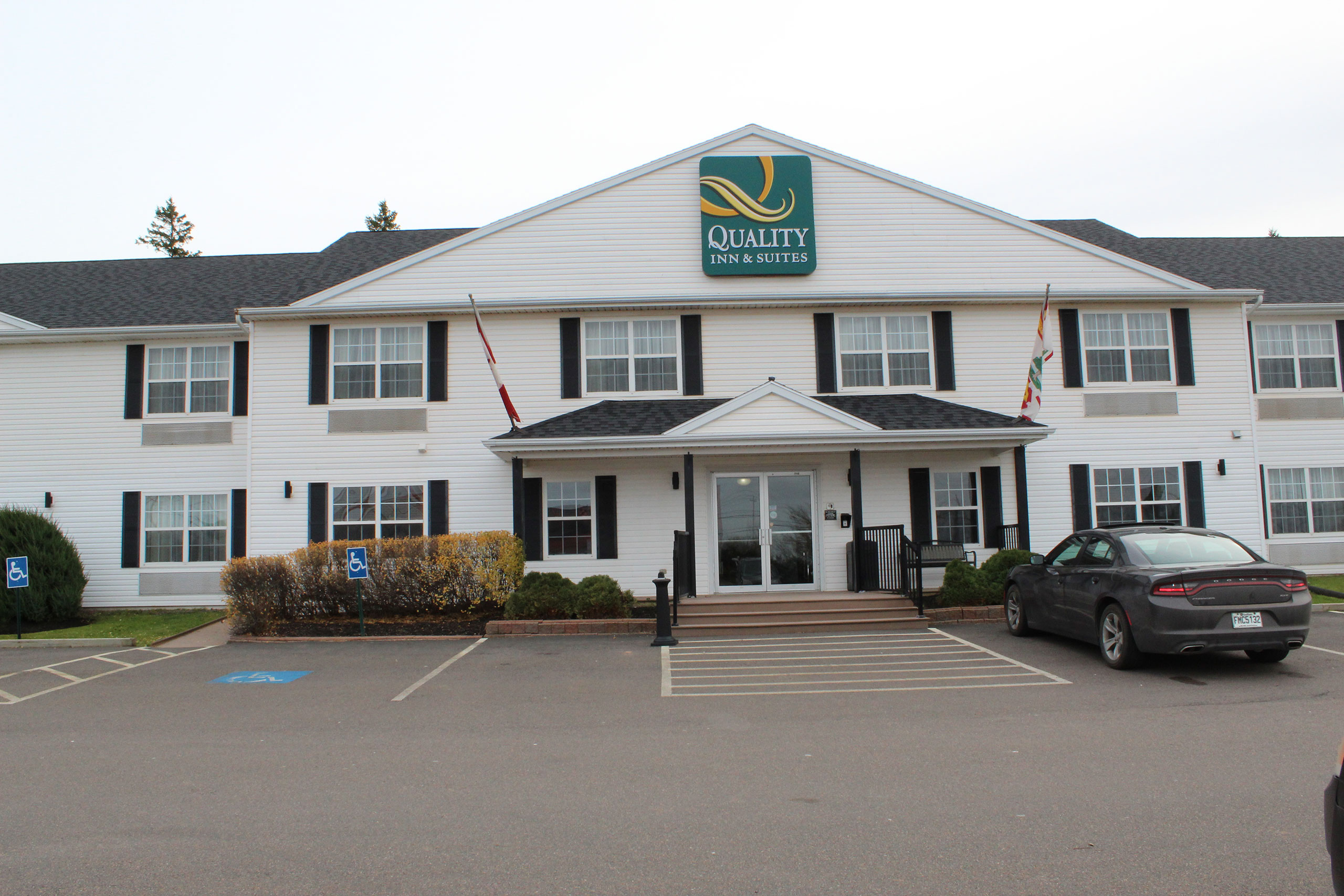 Quality Inn & Suites - Cornwall PEI outside